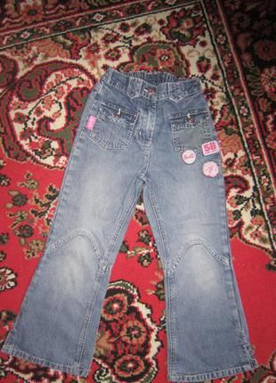 Джинсы с вышивкой barbie (барби) на 5-6 лет