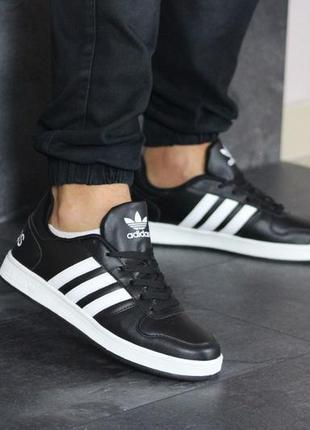 Мужские кроссовки Adidas Hoops.