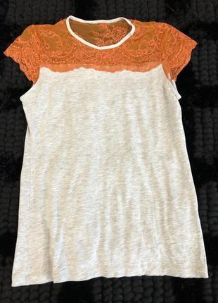 Летняя тончайшая футболка с кружевной вставкой