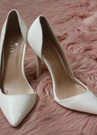 Белые туфли\ лодочки\ свадебные\ на шпильке\ bebo\ новые сток ...