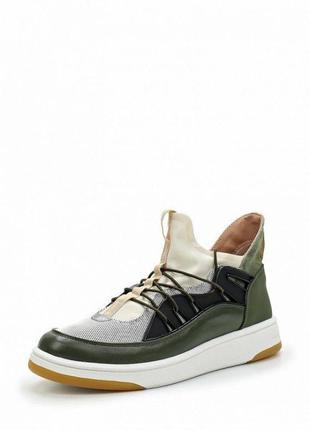 Tamaris стильные высокие кроссовки  р. 38-24см