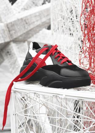 Кожаные женские кроссовки красные с черным на массивной подошв...
