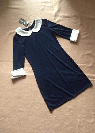 Платье темно синего цвета с белым воротником новое m-l