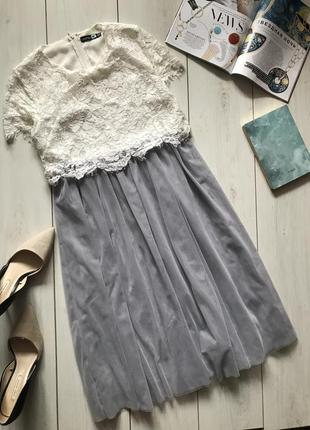Нарядное миди платье с фатиновой юбкой и кружевным топом