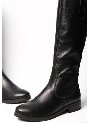 Кожаные женские сапоги на маленьком каблуке