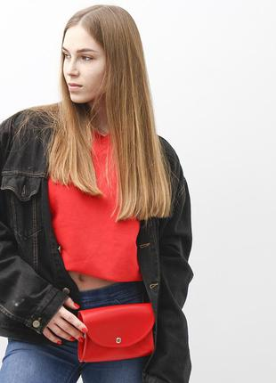 Красная сумочка-клатч с ремнем на пояс и через плечо