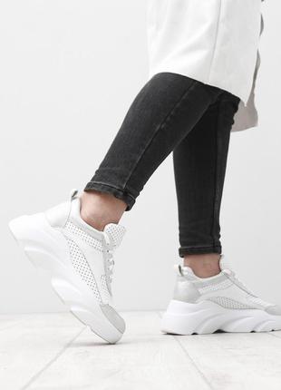 Скидка до 24.04!!  кожаные белые перфорированные кроссовки на ...