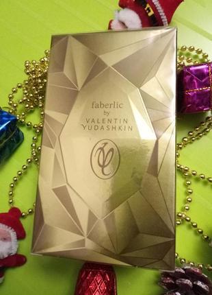 Парфюмерная вода faberlic by valentin yudashkin gold новая в у...