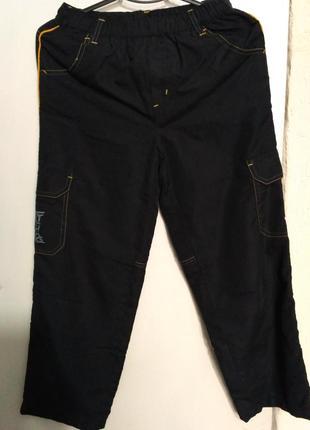 Спортивные штанишки на трикотажной подкладке на рост 146 см