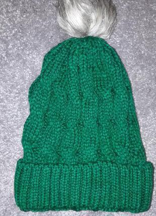 Женская зимняя вязанная шапка с бубоном, зеленая