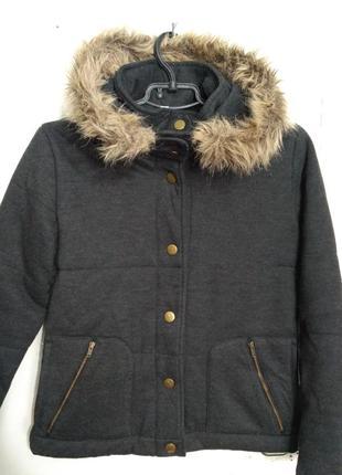 Демисезонная куртка, ветровка с капюшоном на возраст 7 лет
