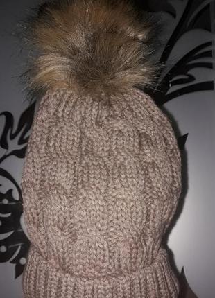 Женская зимняя вязанная шапка с бубоном, кофейная