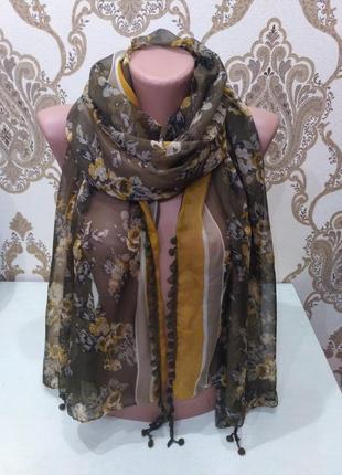 Большой тоненький шарф, палантин в розочках