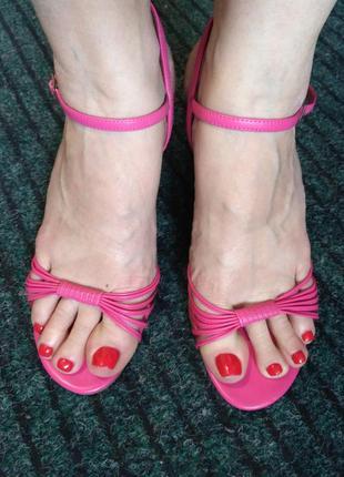 Розовые босоножки на пробковой платформе new look 40 размер