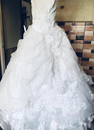 Платье шикарное свадебное выпускное пышное белое нарядное