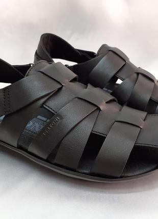 Комфортные кожаные сандалии на липучке bertoni