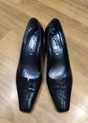 Кожаные туфли gabor на устойчивом каблуке