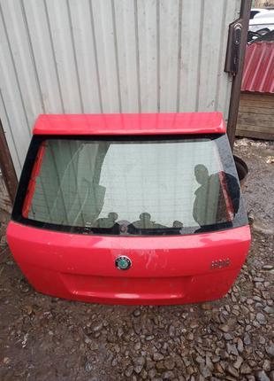 Дверь ляда крышка стекло багажника Шкода Фабия Рено Канго