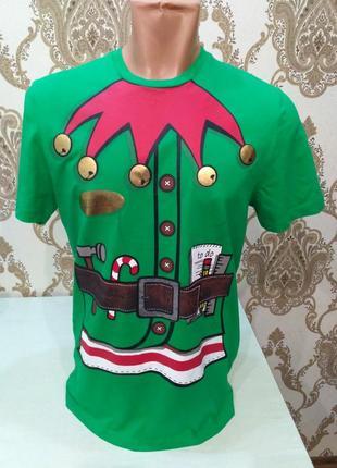 F&f. состояние новой! зелёная футболка с новогодним принтом
