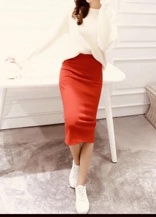 Красная юбка миди карандаш