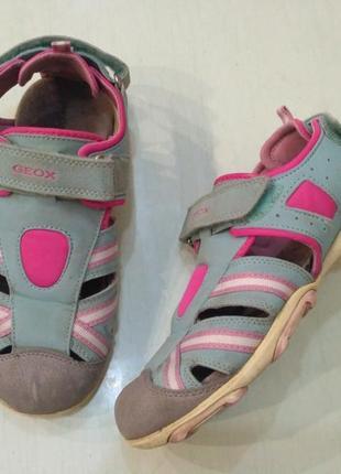 Geox босоножки, сандалии с закрытыми носочками