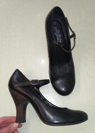 Gorgeous. натуральная кожа! удобные туфельки на устойчивом каб...