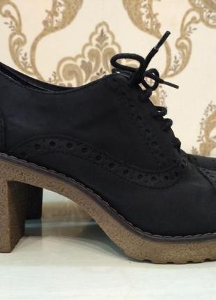 Graceland закрытые туфли лоферы на устойчивом каблуке