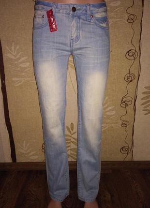 Новые джинсы levis 29 и 32 размер