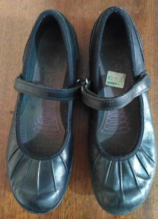 Кожаные туфли с дышащей стелькой