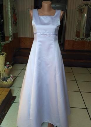 Вечернее платье лилового цвета