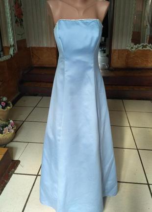 Вечернее платье нежно - голубого цвета