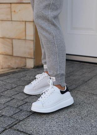 Стильные кроссовки 😍alexander mcqueen white black 😍