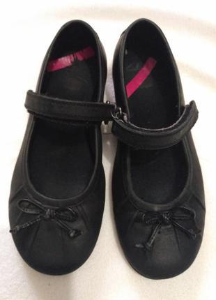 Кожаные туфельки clarks 28,5 размер