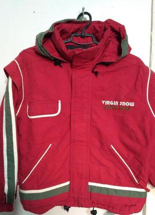 Демисезонная куртка с капюшоном на возраст 8-10 лет