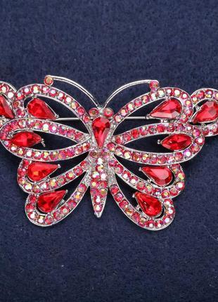 Брошь бабочка красные стразы