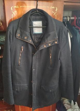 продам ветровку размер М 48-50 в виде класики (пиджак)