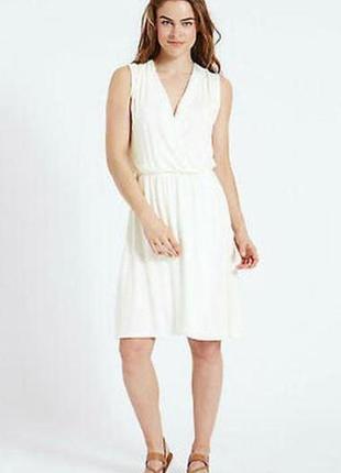 Новое трикотаж белоснежное платье на запах 20/54-56 размера