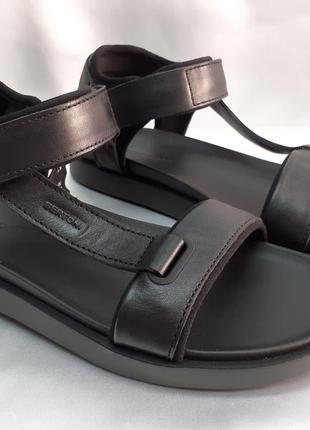 Стильные кожаные сандалии на платформе bertoni