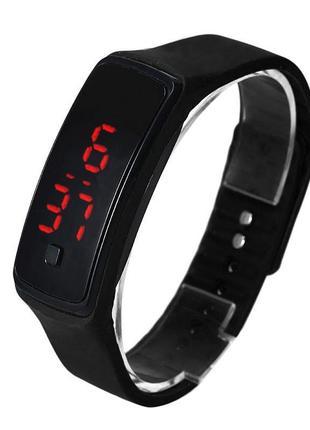 Спортивные черные силиконовые часы браслет с led циферблатом