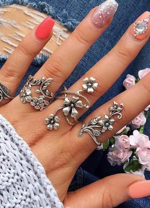 Набор колец 4 штуки серебристого цвета ( кольца цветок, на вес...