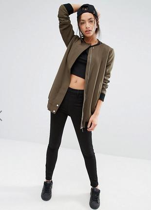 Удлиненный бомбер куртка new look с мехом хаки, оливкового цвета