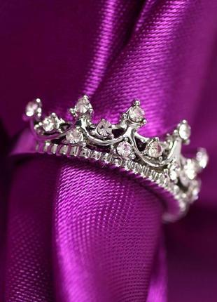 Невероятно красивое кольцо корона