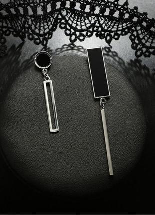 Асимметричные стильные серьги черное с серебром