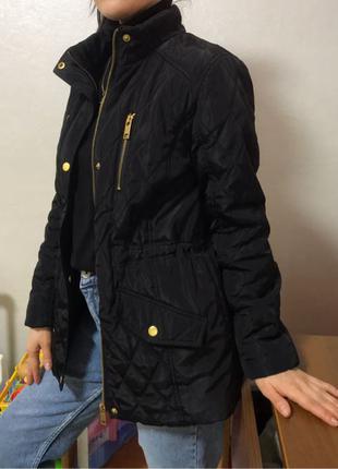 Стильная куртка демисезонная