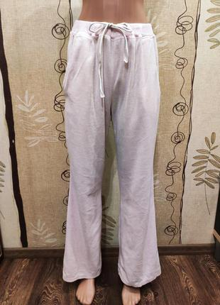 Бледно-розовые велюровые спортивные штаны