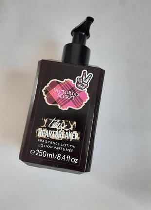 Оригинал victorias secret tease heart breaker! лосьон-парфюм в...