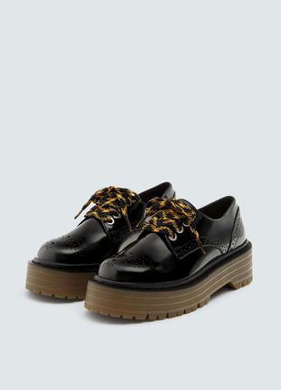 Pull&bear стильные броги, ботинки, туфли на тракторной подошве