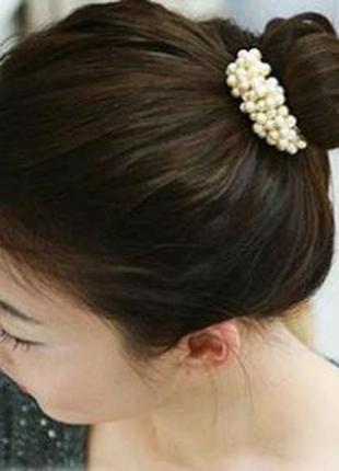Заколка резинка для волос белые жемчужинки