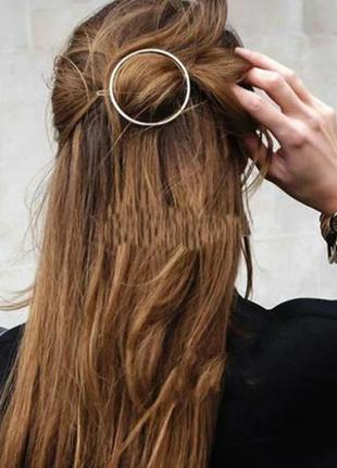 Заколка для волос круг серебристого цвета
