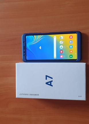 Смартфон Samsung Galaxy A7 2018
